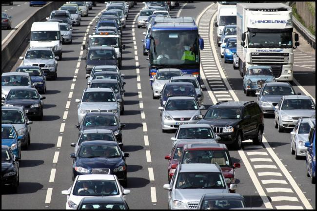 Broken down vehicle blocking lane on M27 and causing delays