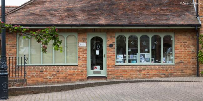 Simply Be hairdressers in Lymington