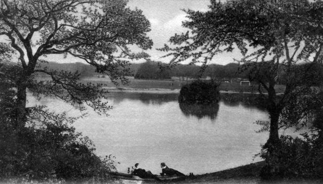 Southampton Common. Postcard by FGO Stuart.