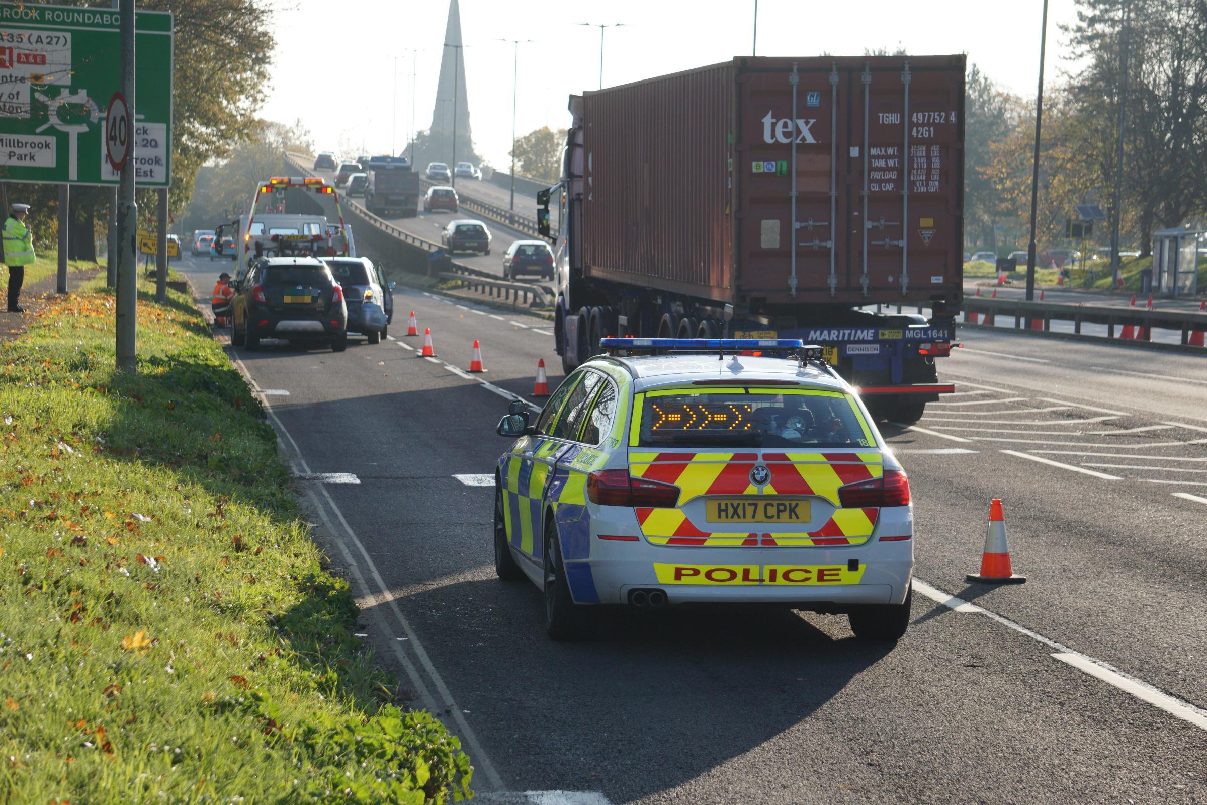 Two lanes of Redbridge Road blocked after crash - Daily Echo
