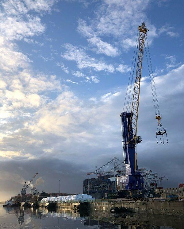 Southampton gets eighth quayside crane in £3m investment