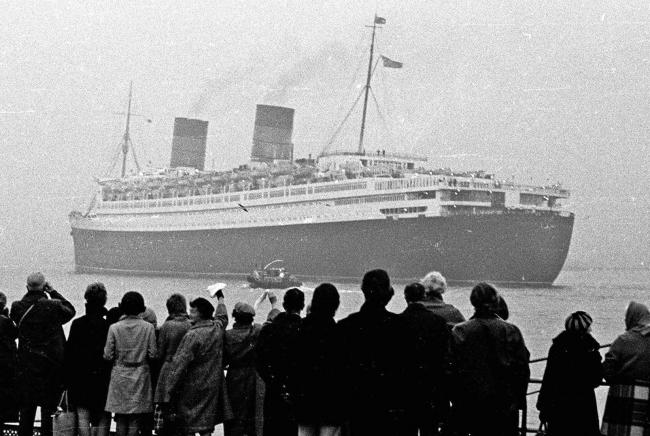 Queen Elizabeth leaves Southampton for the last time. 29th Nov 1968. © THE SOUTHERN DAILY ECHO ARCHIVES.  Ref  1516e