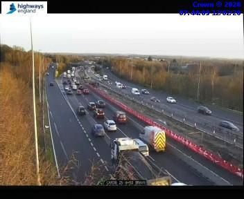 Motorists facing traffic queues for 11 miles on M27