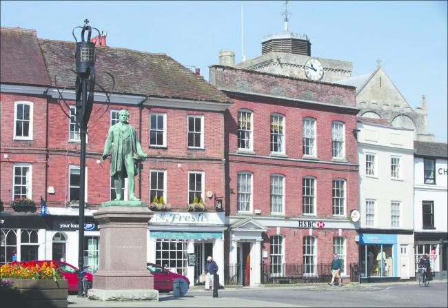 Romsey town centre including the Palmerston statue