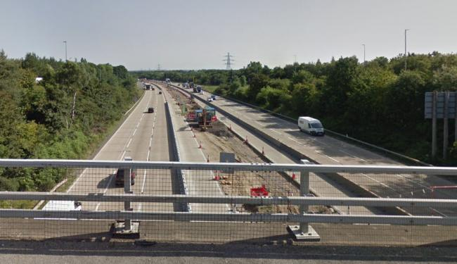 Lane blocked on M27 after vehicle breaks down