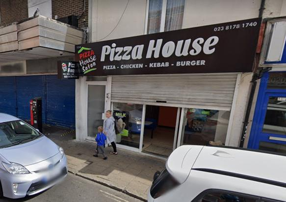 Daily Echo: A 42-year old man has been arrested after pulling out a gun during an argument in the Pizza House takeaway on St Mary's Street, Southampton. Image: Google Maps