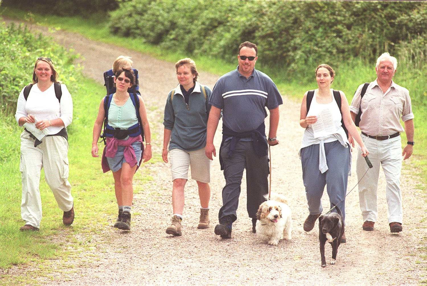 Hampshire Wildlife Trust sponsored walk for water vole campaign at Itchen Valley Country Park - Walkers set off.