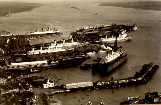 LETTER - Clues to the date of the mystery Southampton docks picture