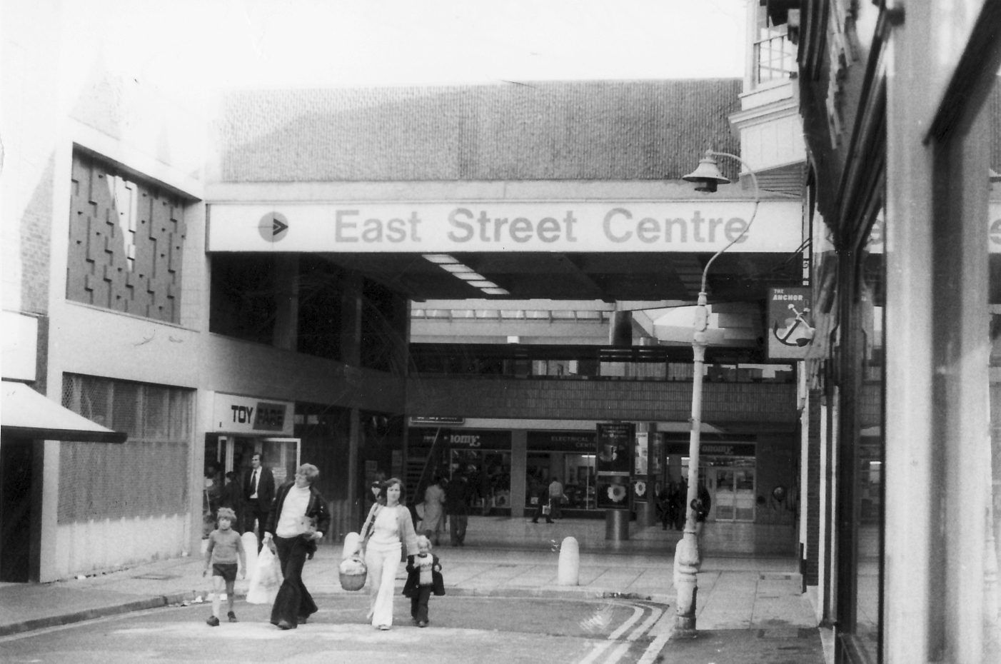 East Street Centre. November 1976. Southern Daily Echo Archives.