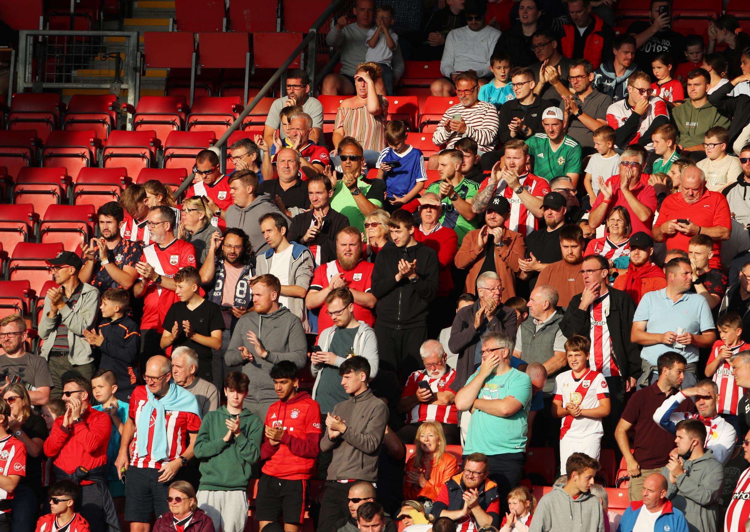 Premier League fans will face COVID-19 status spot-checks