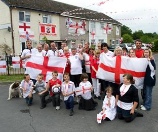 COME ON ENGLAND!: Residents of Sutherland Road in Lordshill.	Echo picture by Richard Simpson. Order no: 10592936