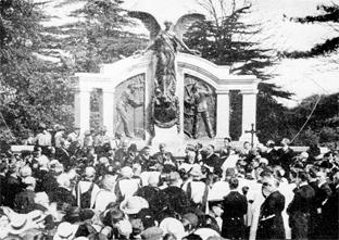CEREMONY: Thousands attended the opening of the memorial in 1914.