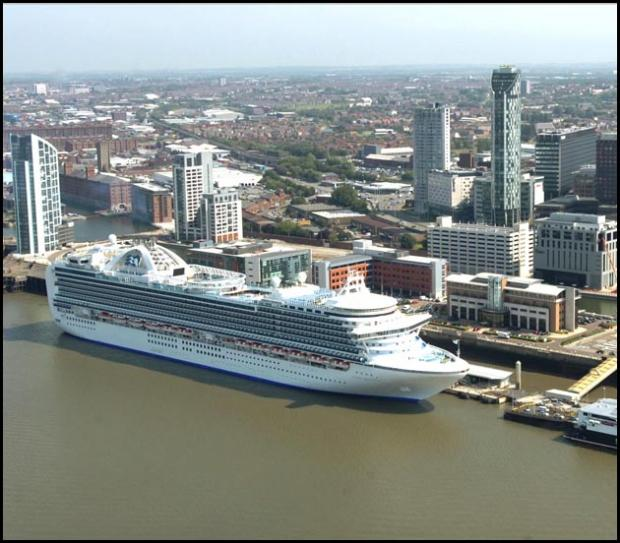 Cruise ships in Liverpool
