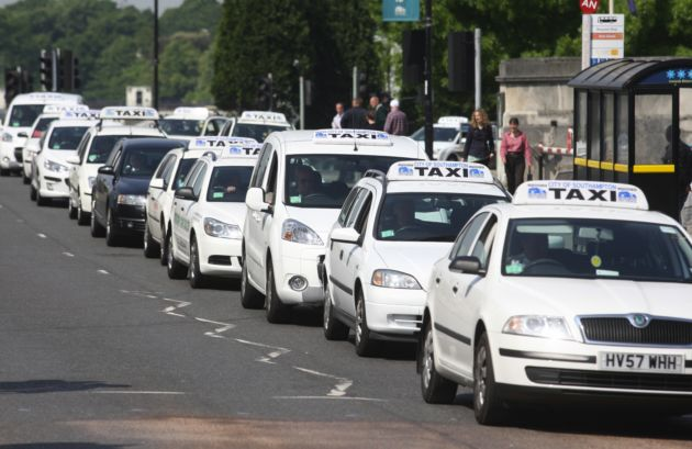 Taxi drivers' festive goodwill gesture