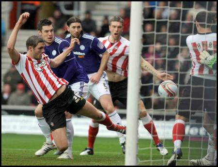 Pictures from the npower Championship clash between Saints and Derby County at St Mary's Stadium. The unauthorised download, copying, editing or distribution of this image is strictly prohibited.