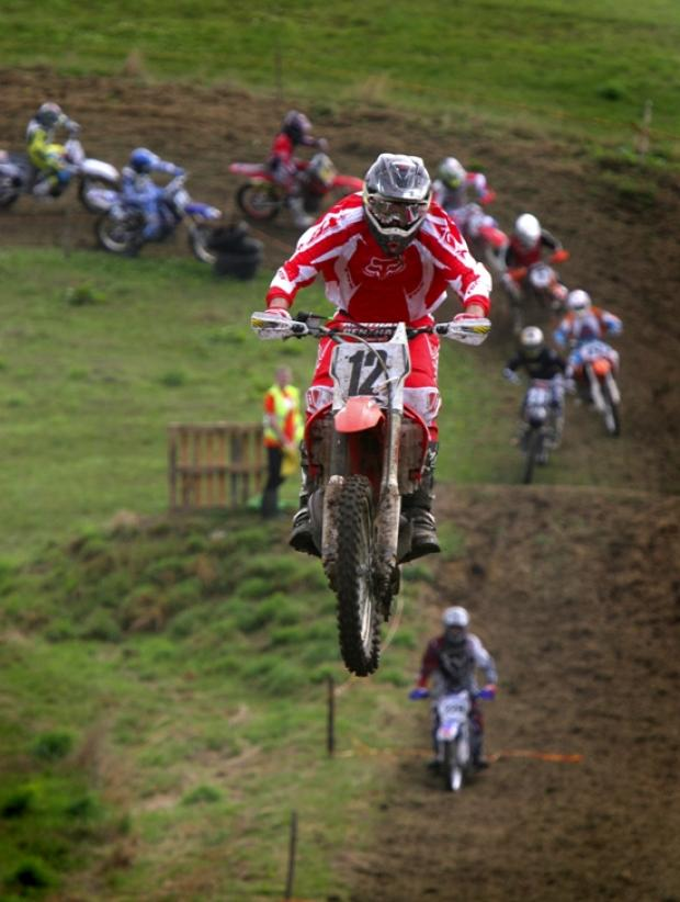 Residents discuss motocross misery at meeting