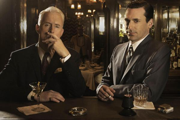 The Mad Men enjoy a drink after work
