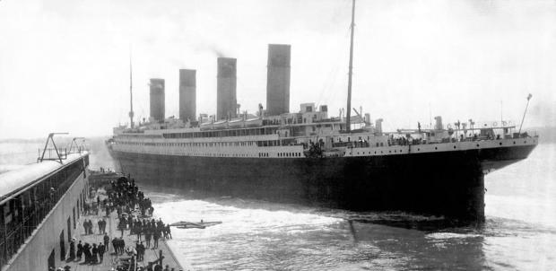 Titanic leaving Southampton in 1912