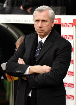 Goalkeeper blow - Alan Pardew