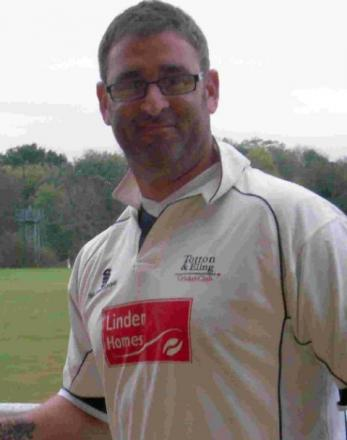 Totton & Eling coach smashes his way into record books with unbeaten 330