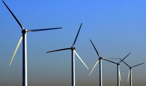 Plans for huge windfarm scaled back