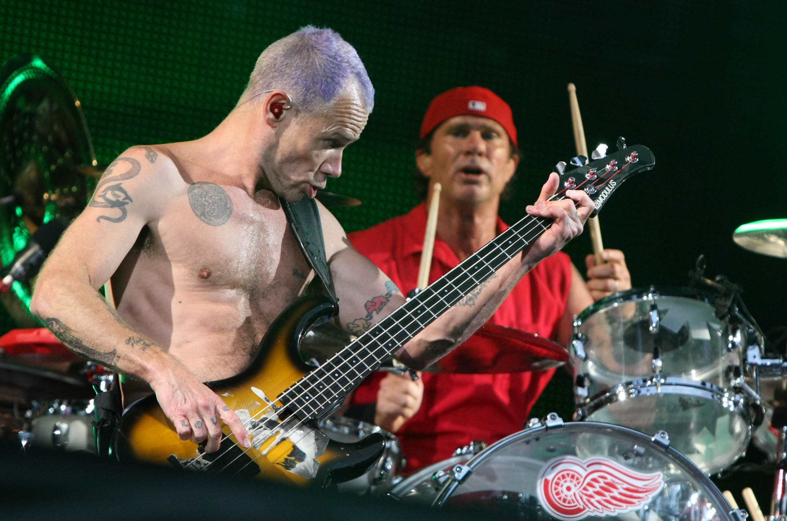 Red Hot Chilli Peppers in action