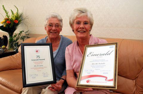 Daily Echo: Ruth Cairns and Miriam Nicholls with their Emerald awards