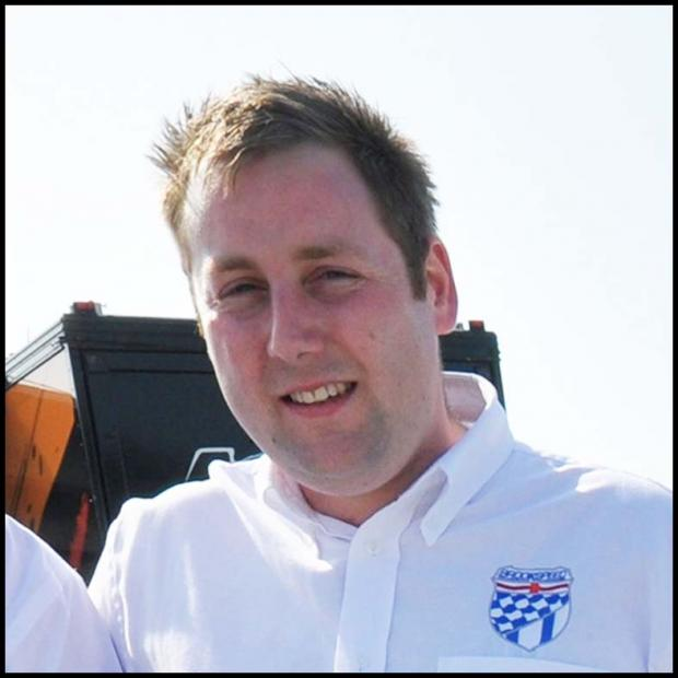Southampton powerboat racer Mike Lovell