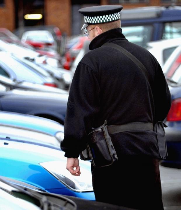 Traffic wardens to be given powers to fine litterbugs