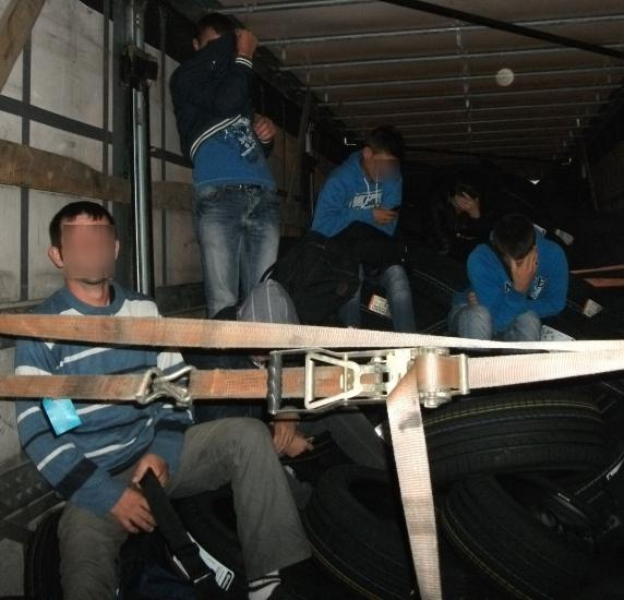 Stowaways captured in lorry