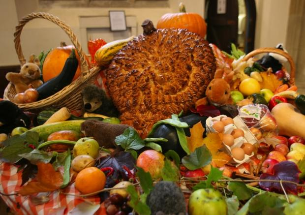 Winchester Cathedral celebrates harvest festival weekend