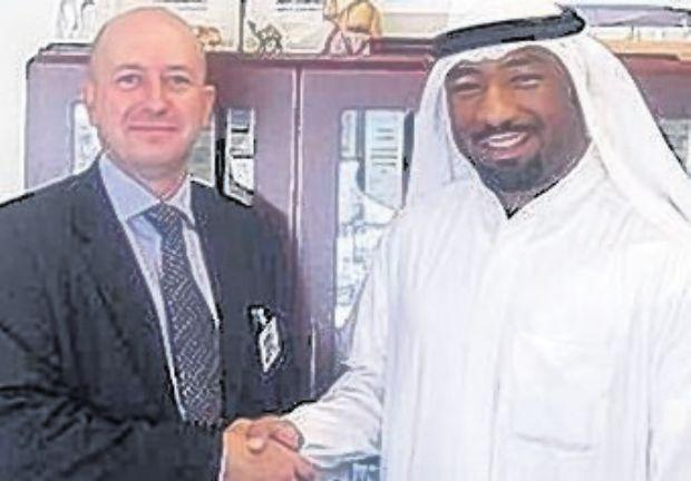WINNER: Simon Robinson (Sales Manager, Dasic Marine Ltd) with Nawaf Al-Shatti (Team Leader, Purchasing Group, KOTC).