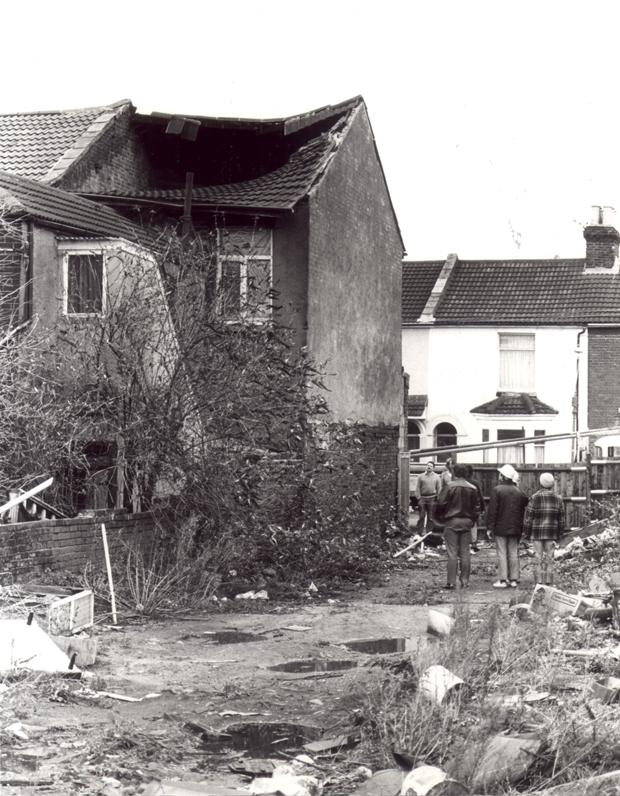 Daily Echo: A house in Newtown, Southampton, damaged during the Great Storm of 1987