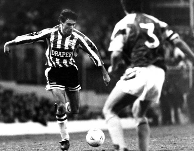 Alan McLoughlin takes on Stuart Gray, December 1990.