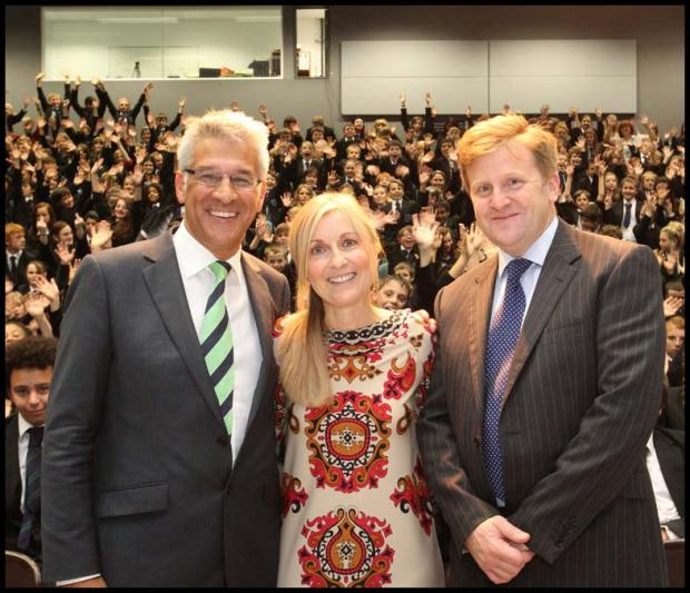 Founder of Oasis Trust Steve Chalke with Fiona Phillips and principal Ian Goulding