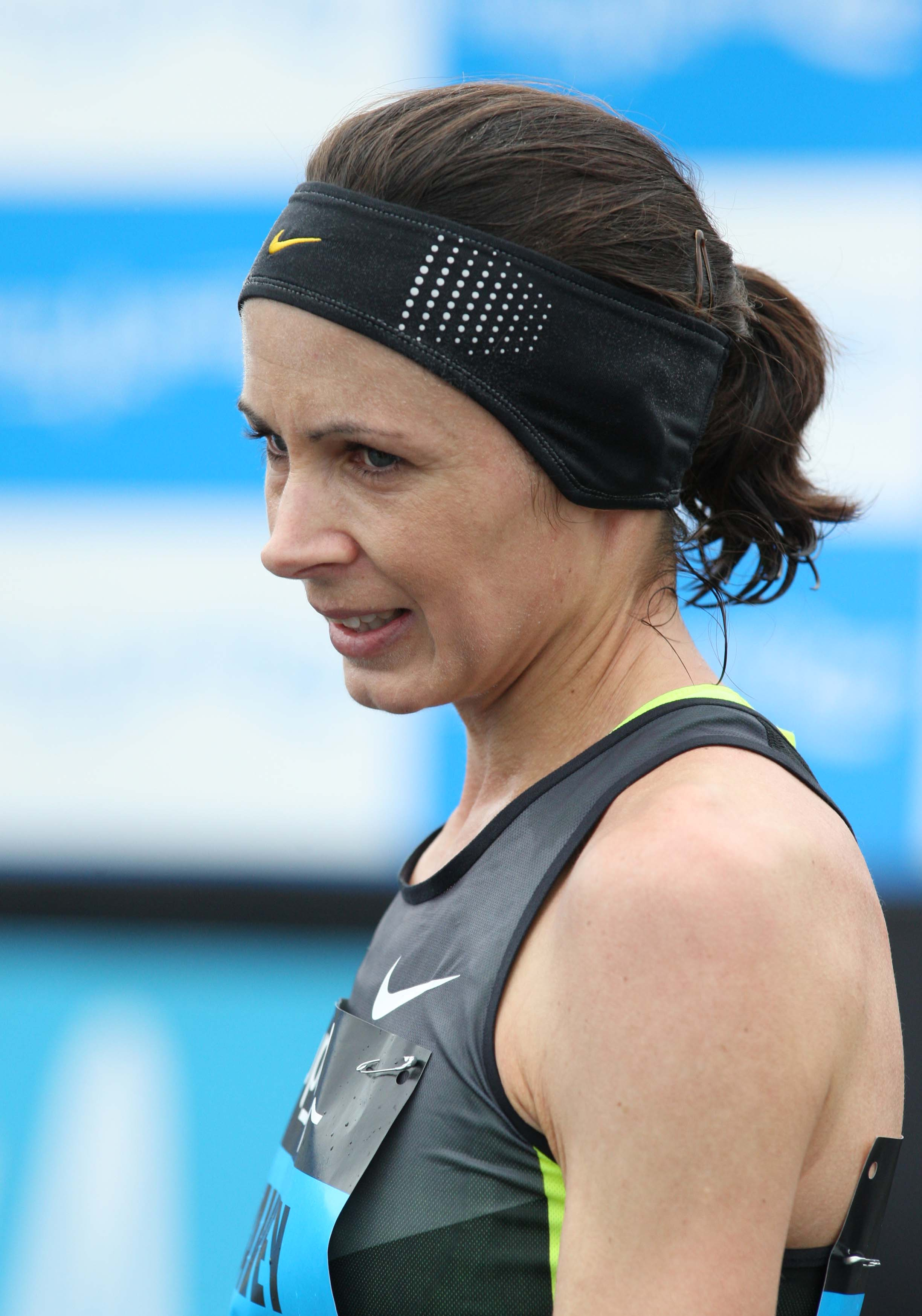 Pavey takes Bupa Great South Run title