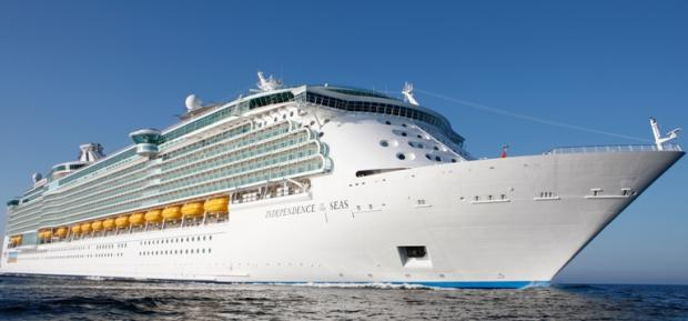 Cruise passengers in £500,000 legal fight over Independence illness