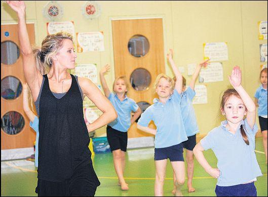 West End star runs school workshop