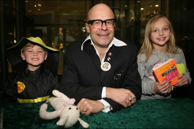 Queues greet comedian Harry Hill at WestQuay