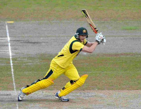 Hants sign Australia captain