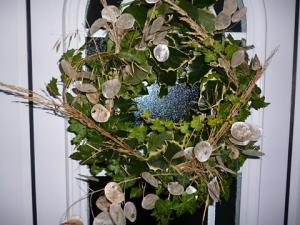 make your own christmas wreaths