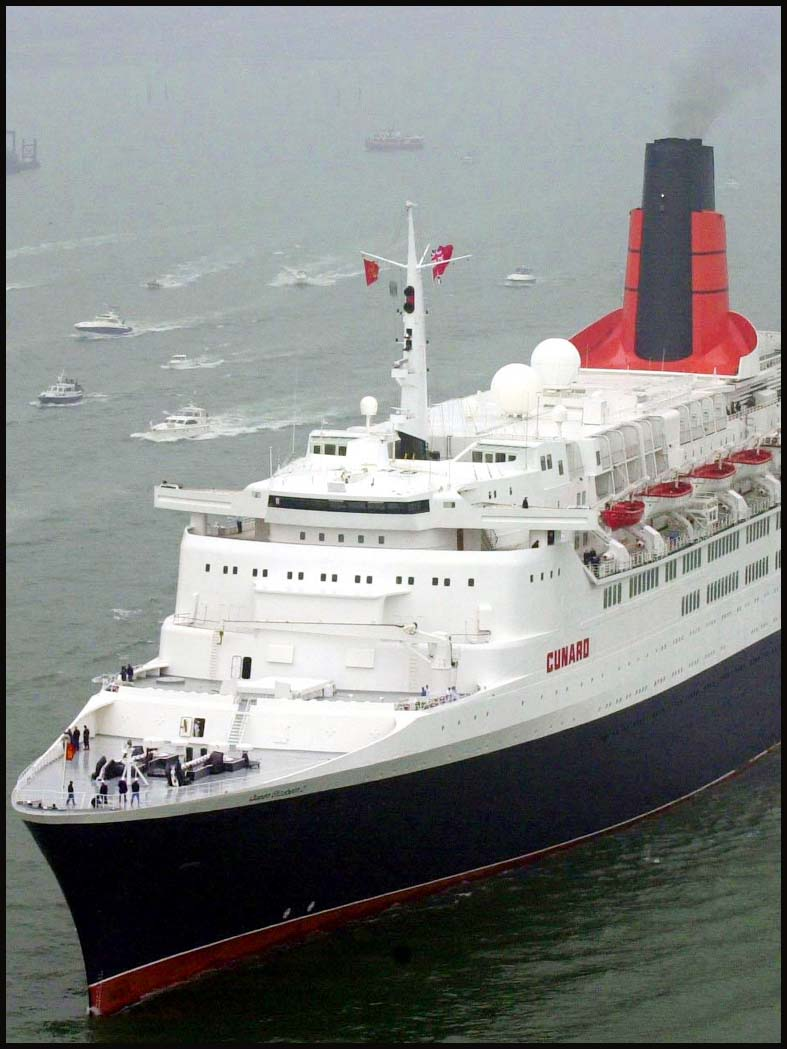Could the QE2 be moored in London?