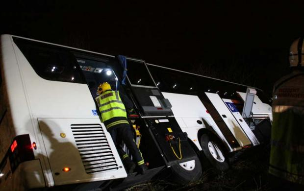 Southampton-bound coach in motorway crash horror