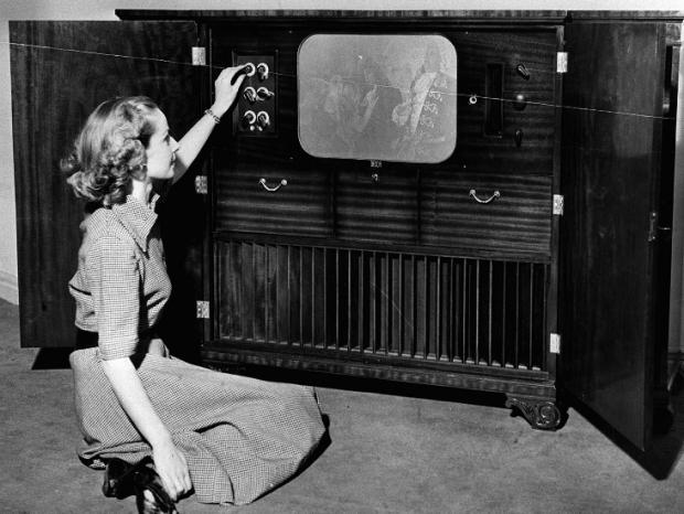 How many people still watch TV in black and white?