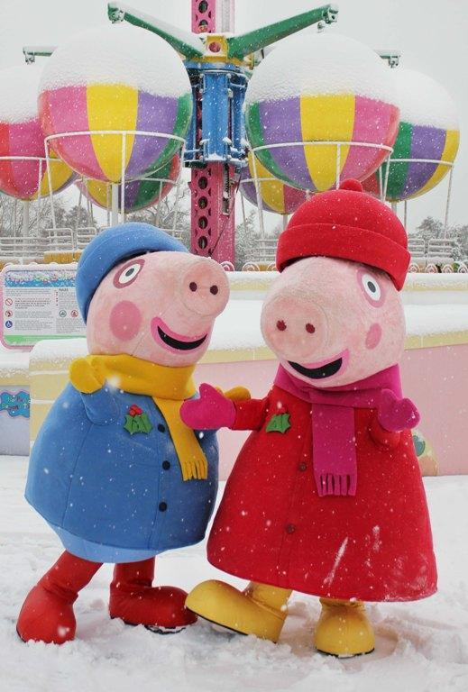 Peppa Pig and George enjoy the snow at Paultons Park