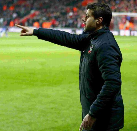 Pochettino directs operations at St Mary's last night