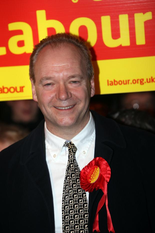 Daily Echo: John O'Farrell will stand for Labour in the Eastleigh by-election