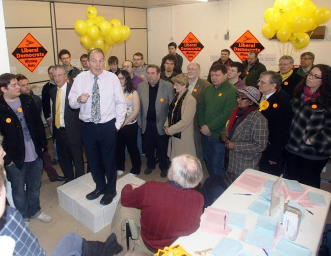 Simon Hughes urges support for Lib Dem Mike Thornton