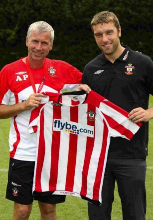 Rickie Lambert and Alan Pardew on the day the striker signed for Saints in August 2009