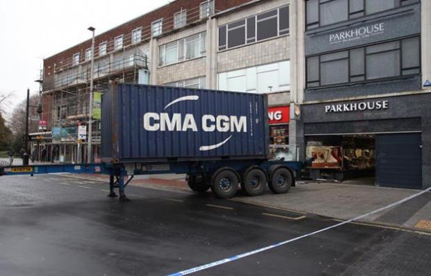 Thieves smash lorry into Parkhouse and Wyatt in Southampton